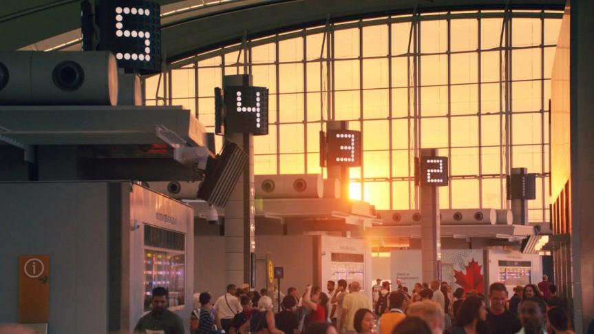 Hello-Goodbye-Pearson-Airport-1600x900